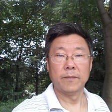 老郑 je domaćin.