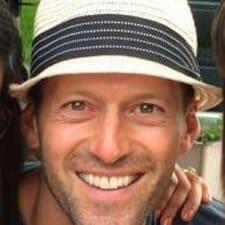 Profil korisnika Brian J