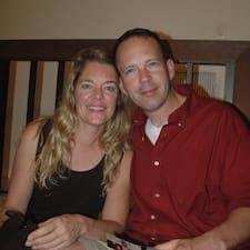 Len & Jill es el anfitrión.