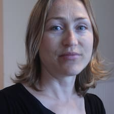 Véronique felhasználói profilja