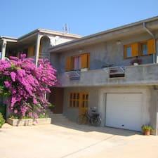 Andela是房东。