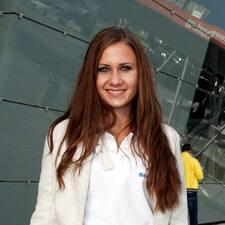 Jasmina felhasználói profilja