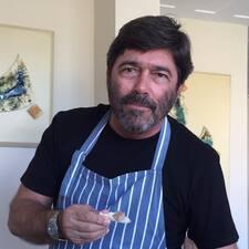 Jose Roberto — хозяин.