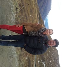 Rebekah And Babakさんのプロフィール
