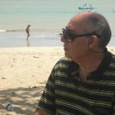 Almir José是房东。