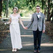 โพรไฟล์ผู้ใช้ Mark & Erin