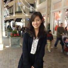 Athina Rhiel felhasználói profilja