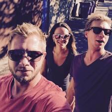 Kirk, Bryce & Monica est l'hôte.