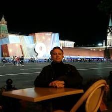 Олег ist der Gastgeber.