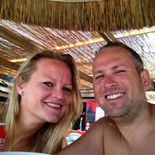 Roy & Monique felhasználói profilja
