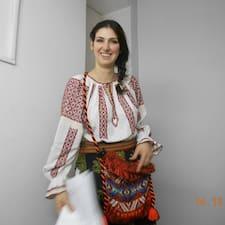 Irina est l'hôte.