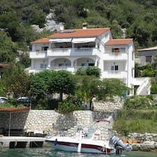 Villa je domaćin.