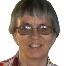 โพรไฟล์ผู้ใช้ Margaret Whitehead