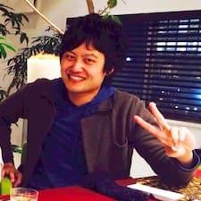 Yutaku是房东。