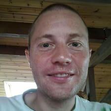 Profil Pengguna Romuald