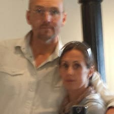 โพรไฟล์ผู้ใช้ Samuel & Rosita