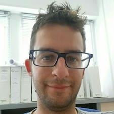 Julien的用戶個人資料