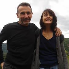 Thérèse & Patrick is the host.