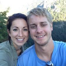 โพรไฟล์ผู้ใช้ Noelle And Ryan
