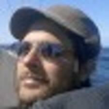 Profil Pengguna Pierre