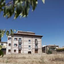 El Abadiado De Bandaliés è l'host.