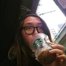 Tsz Kiu felhasználói profilja