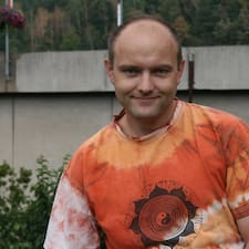 Jaroslav est l'hôte.