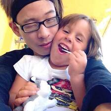 โพรไฟล์ผู้ใช้ Liju Ly