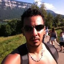 Mouad คือเจ้าของที่พัก