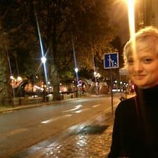 Sari Brugerprofil