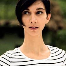 Veronica felhasználói profilja
