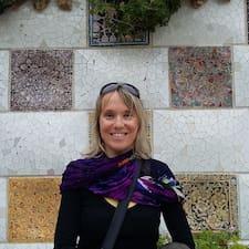 Henkilön Anne-Valérie käyttäjäprofiili