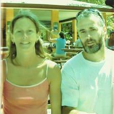 Karen And Drew é o anfitrião.