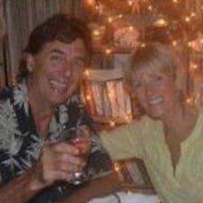 Barry & Andrea — хозяин.