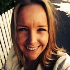Anne-Kari felhasználói profilja