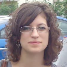 Profil Pengguna Carlotta