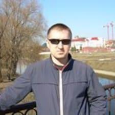 Dmitry est l'hôte.