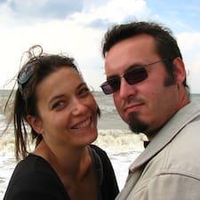 Isa & Loïc è l'host.