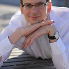 Jochen — хозяин.