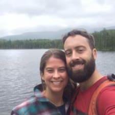 โพรไฟล์ผู้ใช้ Dustin And Alyssa