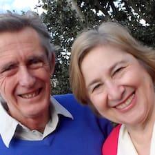 โพรไฟล์ผู้ใช้ Peter & Anne