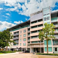 Adina Apartment Hotel Perth คือเจ้าของที่พัก