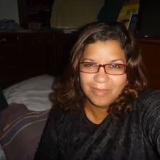 Rosana Cristina je domaćin.