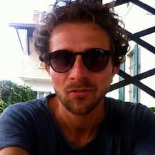 Profil Pengguna Emiliano