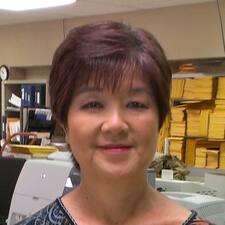 โพรไฟล์ผู้ใช้ Christine Joy