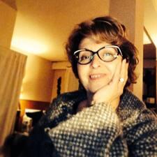 Marie Madeleine jest gospodarzem.