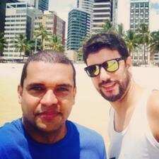 Flávio&Marcos es el anfitrión.