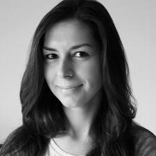 Manoela felhasználói profilja