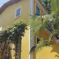 Casas Coloniais est l'hôte.