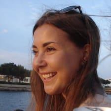 Holly-Leigh User Profile